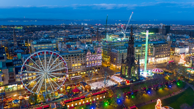 Edinburgh Christmas Princes Street copyright Digital Triangle Creative Ltd