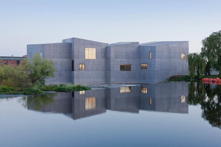 The Hepworth Wakefield credit Hufton Crow